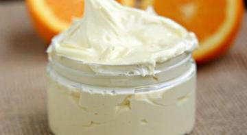 Самодельное цитрусовое масло для тела, которое успокаивает и смягчает сухую кожу в течение ночи (рецепт)