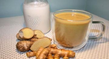Смешайте куркуму + имбирь с кокосовым молоком. Пейте перед сном, чтобы вымыть токсины из печени во время сна!